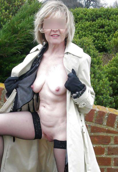 Belle cougar de 42 ans à la recherche d'un jeune homme