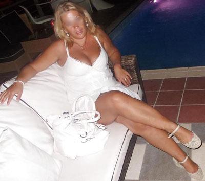 Elisabeth, 42 ans, femme sexy et mondaine cherche un homme
