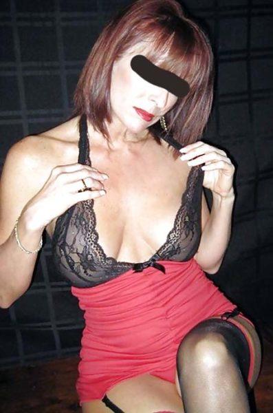 Rachelle, 44 ans, aime les jeunes et accepte des rdv Q