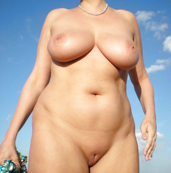 Agnès, femme cougar de 49 ans disponible pour un jh
