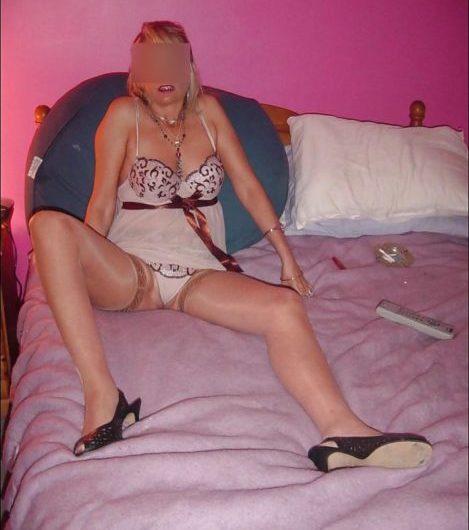 Blonde de 40 ans serait bien tentée par un plan adultère avec un jh