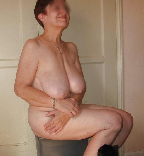 Ancienne prostituée et maintenant libertine mature, toujours addicte au sexe