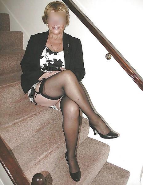 Femme cougar fetichisme ch plan extrême et raffiné