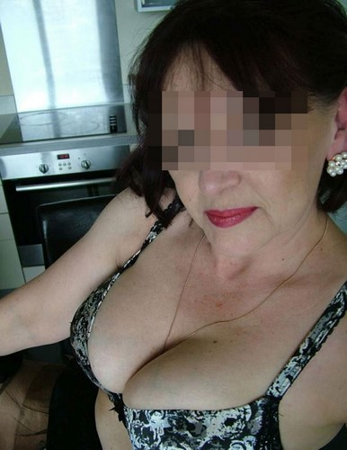 Cougar pour sex in the kitchen