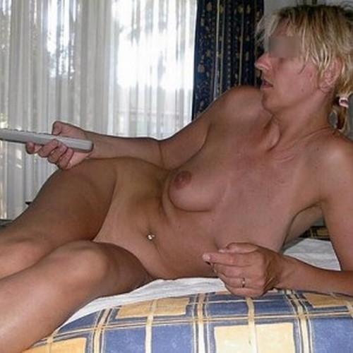 Femme cougar discrète dispo pour homme coquin