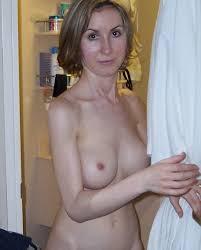 Femme divorcée à Nanterre recherche des câlins en toute discrétion occasionnellement