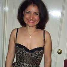 Je suis une beurette cougar à Tours, j'ai 40 ans bientôt et j'aime encore plaire