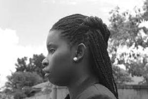 Pauline, mature black, vit seule à Saint-Denis, recherche une compagnie agréable et plus peut-être