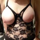 Cougar sexy et chaude pour plan sexe en journée